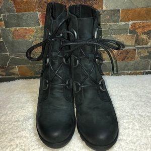 WOMEN SOREL BOOTS SIZE 6.5 BLACK